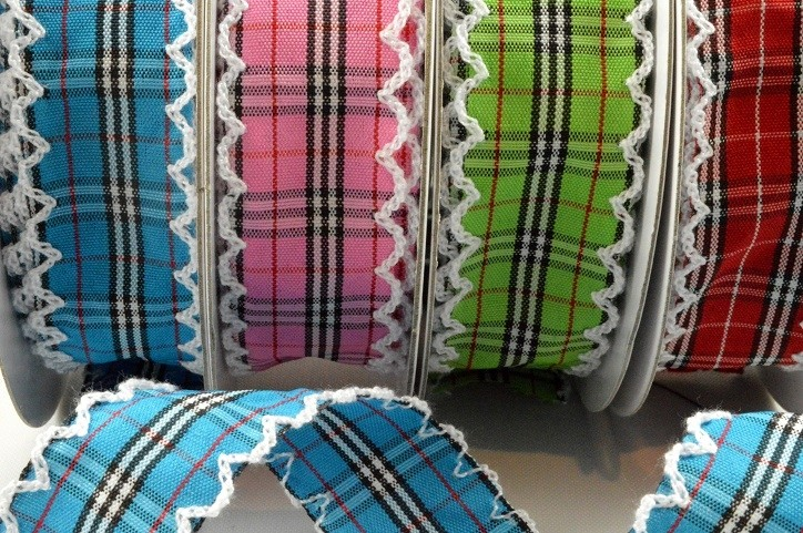 55061 - 25mm Fancy Check Ribbon with Scallop Edge x 10 Metre Rolls!