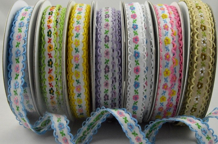 55062 - 12mm Flower Woven Ribbon with Scallop Edge x 10 Metre Rolls!