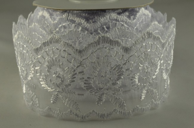 88015 - 38mm White Coloured Woven Lace Design (10 Yards)