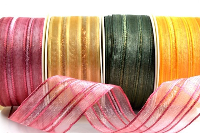 44063 - 40mm Wired Patterned Florist Ribbon (20 Metres)