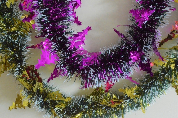 los angeles 75a4c a6277 88140 - Triple Coloured Christmas Tree Tinsel x 2 Metre Lengths!