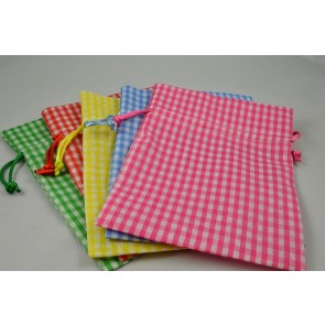 88167 - Set of 3 Small Or Medium Gingham Gift Bags with Draw Strings!